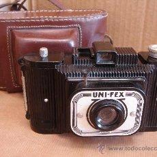 Cámara de fotos: ANTIGUA CAMARA BAQUELITA - UNI-FEX + FUNDA - FRANCE 1949 --- ¡¡ ¡¡¡. Lote 30580516
