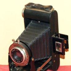 Cámara de fotos: KODAK SIX 20 FOLDING BROWNIE. Lote 30923722
