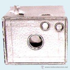 Cámara de fotos: CAMARA DE FOTOS USE FILM Nº 127 Y Nº 0 BROWNIE, CAMERA MODELO C.O. ROCHESTER U.S.A.. Lote 31232403