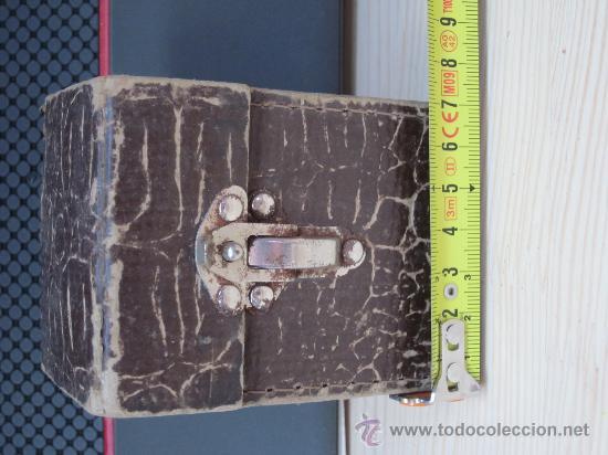 Cámara de fotos: Cámara de Baquelita UNIVEX *A* - Años 30 – Cámara de baquelita casi miniatura en su caja original - Foto 3 - 32127586