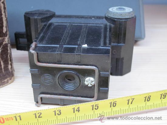 Cámara de fotos: Cámara de Baquelita UNIVEX *A* - Años 30 – Cámara de baquelita casi miniatura en su caja original - Foto 2 - 32127586
