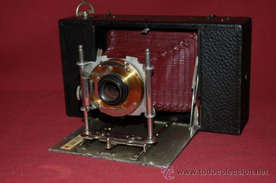 BONITA CÁMARA DE FUELLE ROJO KODAK ? DE 1900. (Cámaras Fotográficas - Antiguas (hasta 1950))