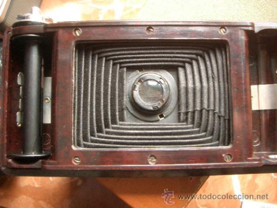 Cámara de fotos: Antigua Soho Cadet de baquelita y fuelle marrón en su caja original Art Decó - Foto 2 - 36607492