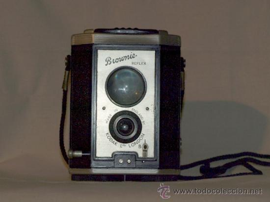 CÁMARA FOTOGRÁFICA. KODAK BROWNIE, REFLEX. MADE IN ENGLAND. (Cámaras Fotográficas - Antiguas (hasta 1950))