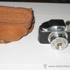 Cámara de fotos: TOYOCA - CAMARA DE FOTOS MINIATURA AÑOS 50-60 - CON SU ESTUCHE ORIGINAL. Lote 38437930