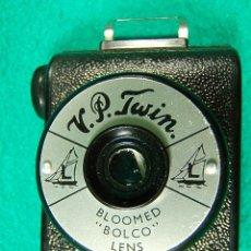 Cámara de fotos: V. P. TWIN-BLOOMED BOLCO LENS-PELICULA 127-16 FOTOS-BAQUELITA INGLATERRA-MINIATURA 3X4-CAMARA FOTOS.. Lote 40834274