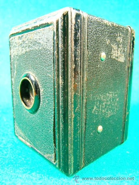 Cámara de fotos: CAMARA DE CAJON ¿BOX?-3X4-PELICULA ROLLO 127-GAP-DECADA 1930?-MINIATURA 8X6X6 CM-FUNCIONA-MUY RARA. - Foto 2 - 40925110