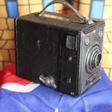 "Cámara de fotos: KODAK 620 BOX ""STUTTGART"" CON FUNDA ORIGINAL. Lote 42697138"