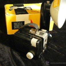 Cámara de fotos: CAMARA FOTOGRAFICA KODAK BROWNIE FLASCH. Lote 44253007