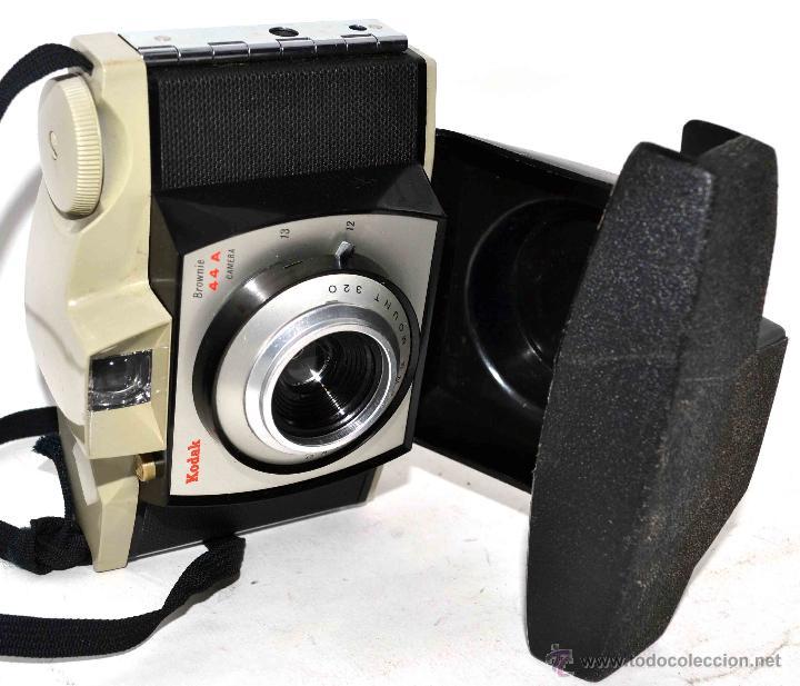 Cámara de fotos: BONITO DISEÑO EN 127 FILM..KODAK BROWNIE 44 A+FUNDA.INGLATERRA 1959..MUY BUEN ESTADO..FUNCIONA - Foto 2 - 48013624