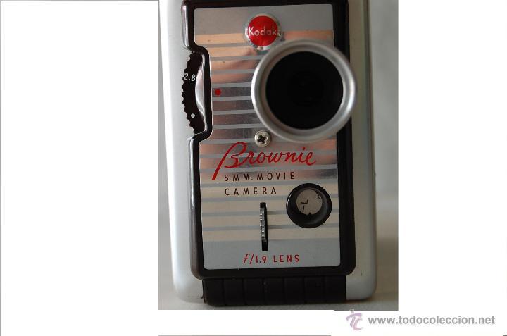 Cámara de fotos: COLECCIONISTAS- Camara filmadora 8 mm. BROWNIE KODAK movie camera U.S.A. decada 50s - Foto 4 - 49765691