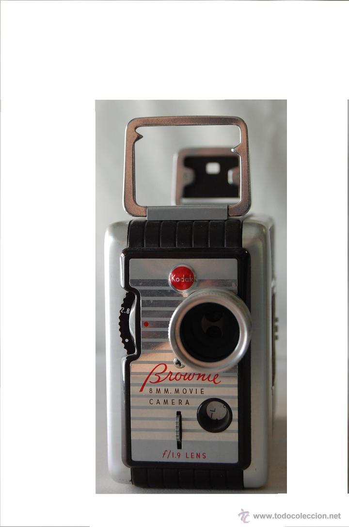 Cámara de fotos: COLECCIONISTAS- Camara filmadora 8 mm. BROWNIE KODAK movie camera U.S.A. decada 50s - Foto 6 - 49765691