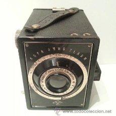 Cámara de fotos: ANTIGUA CAMARA FOTOGRÁFICA DE CAJA AGFA B-2 SHUR FLASH DE 1932 FABRICADA EN BINGHAMTON, NEW YORK.. Lote 106719942