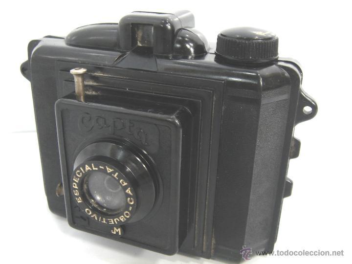 ANTIGUA CAMARA BAQUELITA - CAPTA JM - AÑO 1940 - OBJETIVO ESPECIAL CAPTA - (Cámaras Fotográficas - Antiguas (hasta 1950))