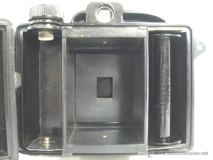 Cámara de fotos: ANTIGUA CAMARA BAQUELITA - CAPTA JM - AÑO 1940 - OBJETIVO ESPECIAL CAPTA - - Foto 9 - 53360542