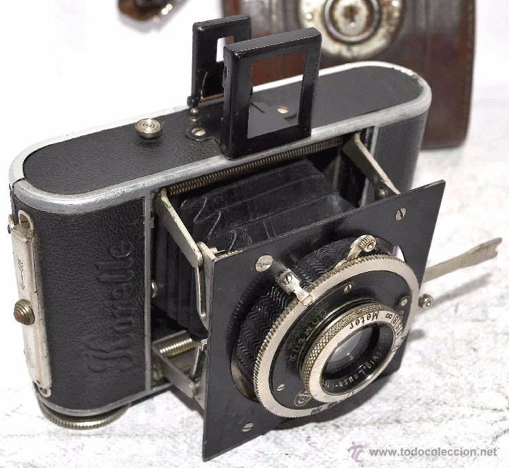 PEQUEÑA, HISTORICA.FUELLE Y 127 FILM..KOCHMANN KORELLE+FUNDA.ALEMANIA 1933.MUY BUEN ESTADO..FUNCIONA (Cámaras Fotográficas - Antiguas (hasta 1950))