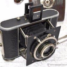 Cámara de fotos: PEQUEÑA, HISTORICA.FUELLE Y 127 FILM..KOCHMANN KORELLE+FUNDA.ALEMANIA 1933.MUY BUEN ESTADO..FUNCIONA. Lote 53812961