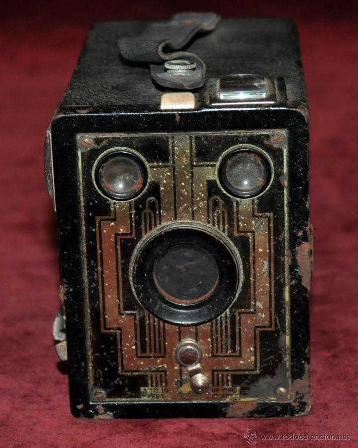 Cámara de fotos: ANTIGUA CAMARA KODAK FILM 620 CON SU FUNDA ORIGINAL DE PIEL - Foto 3 - 54648612