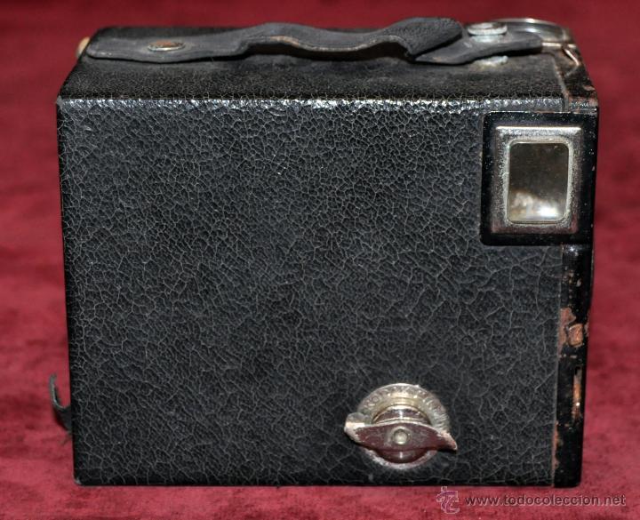 Cámara de fotos: ANTIGUA CAMARA KODAK FILM 620 CON SU FUNDA ORIGINAL DE PIEL - Foto 4 - 54648612
