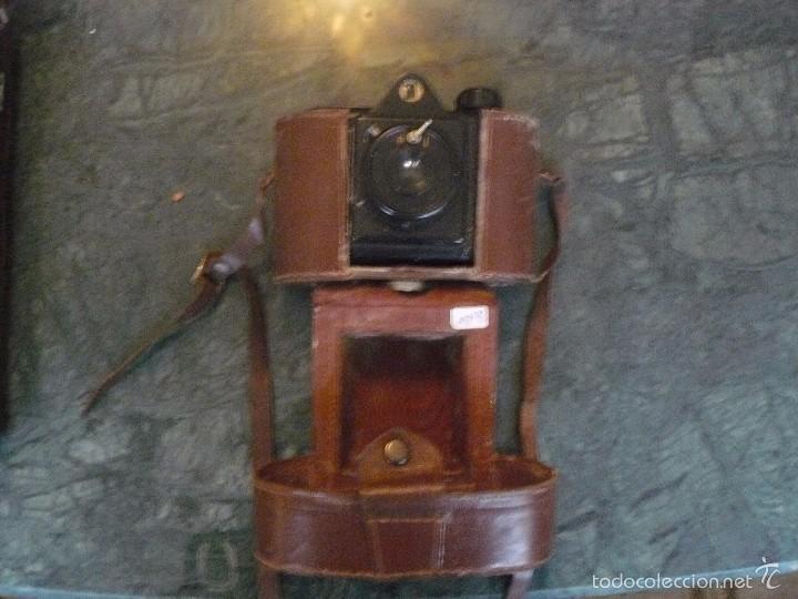 Cámara de fotos: Máquina fotográfica Univex, formato 4,5 x 6 cm, para colección o decoración, en baquelita negra - Foto 2 - 56272956