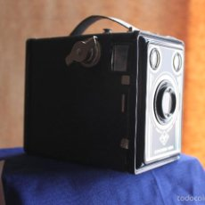 Cámara de fotos: AGFA SYNCHRO BOX + ESTUCHE DE CUERO + FOLLETO ORIGINAL. Lote 56763160
