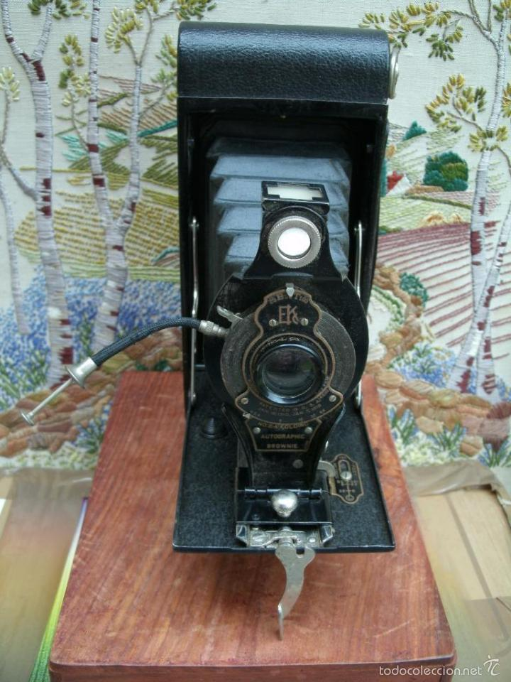 Cámara de fotos: ANTIGUA CAMARA DE FUELLE 1918 KODAK BROWNIE CANARA AUTOGRAPHIC No2a FOLDING CAMERA PERFECTA 143.00 E - Foto 2 - 57584805