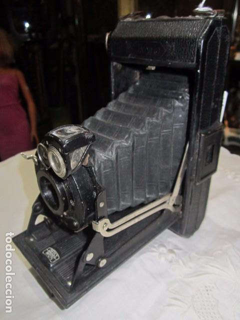 Cámara de fotos: Antigua cámara de fotos Zeiss Ikon, de fuelle. - Foto 2 - 62829828