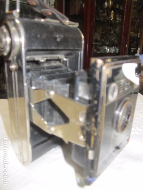 Cámara de fotos: Antigua cámara de fotos Agfa, con fuelle. - Foto 3 - 63176920