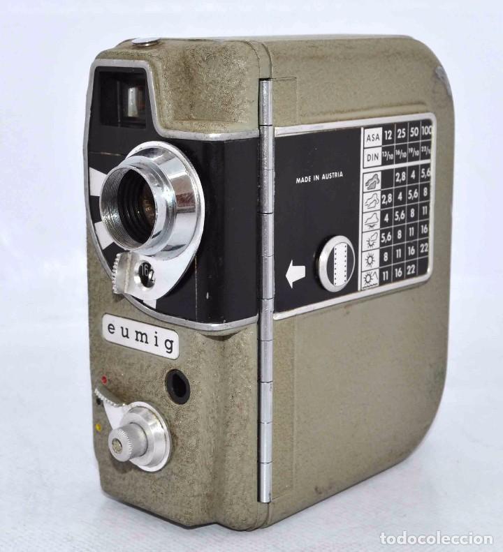 Cámara de fotos: BONITA Y RARA CAMARA DE CINE A PILAS..EUMIG ELECTRIC..AUSTRIA 1955..MUY BUEN ESTADO..FUNCIONA - Foto 4 - 66130266
