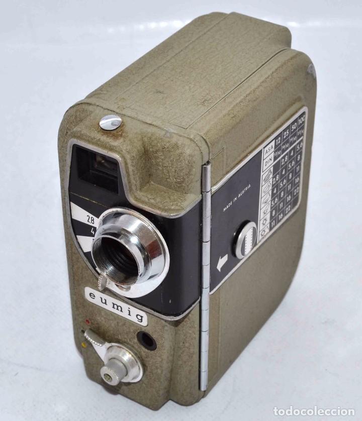 Cámara de fotos: BONITA Y RARA CAMARA DE CINE A PILAS..EUMIG ELECTRIC..AUSTRIA 1955..MUY BUEN ESTADO..FUNCIONA - Foto 5 - 66130266