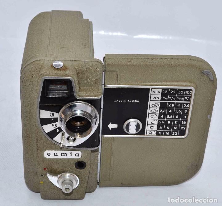 Cámara de fotos: BONITA Y RARA CAMARA DE CINE A PILAS..EUMIG ELECTRIC..AUSTRIA 1955..MUY BUEN ESTADO..FUNCIONA - Foto 6 - 66130266