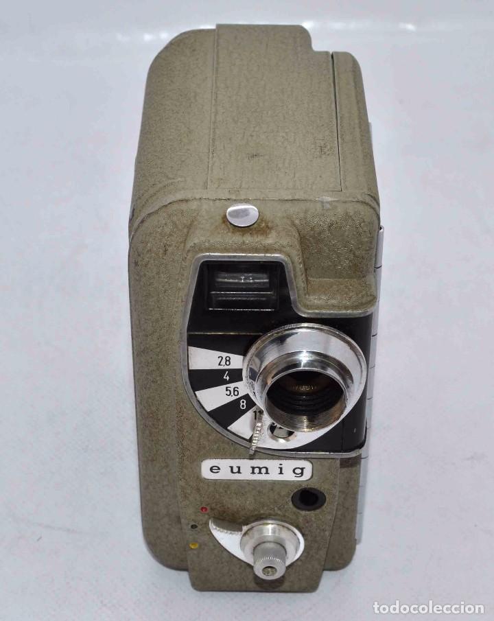 Cámara de fotos: BONITA Y RARA CAMARA DE CINE A PILAS..EUMIG ELECTRIC..AUSTRIA 1955..MUY BUEN ESTADO..FUNCIONA - Foto 8 - 66130266