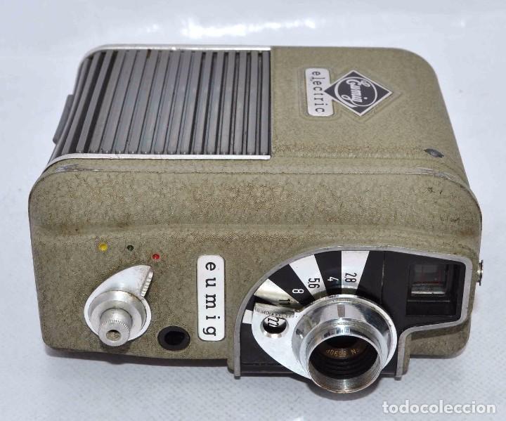 Cámara de fotos: BONITA Y RARA CAMARA DE CINE A PILAS..EUMIG ELECTRIC..AUSTRIA 1955..MUY BUEN ESTADO..FUNCIONA - Foto 15 - 66130266