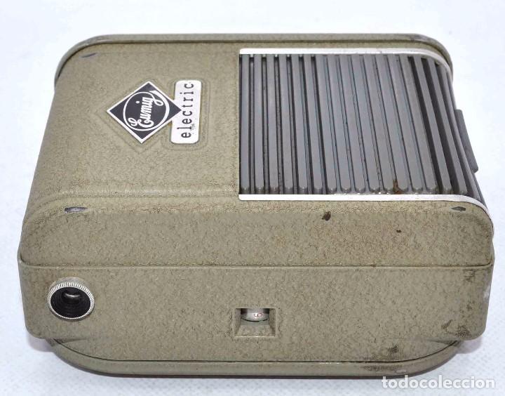 Cámara de fotos: BONITA Y RARA CAMARA DE CINE A PILAS..EUMIG ELECTRIC..AUSTRIA 1955..MUY BUEN ESTADO..FUNCIONA - Foto 17 - 66130266