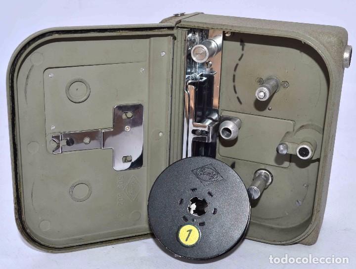 Cámara de fotos: BONITA Y RARA CAMARA DE CINE A PILAS..EUMIG ELECTRIC..AUSTRIA 1955..MUY BUEN ESTADO..FUNCIONA - Foto 20 - 66130266