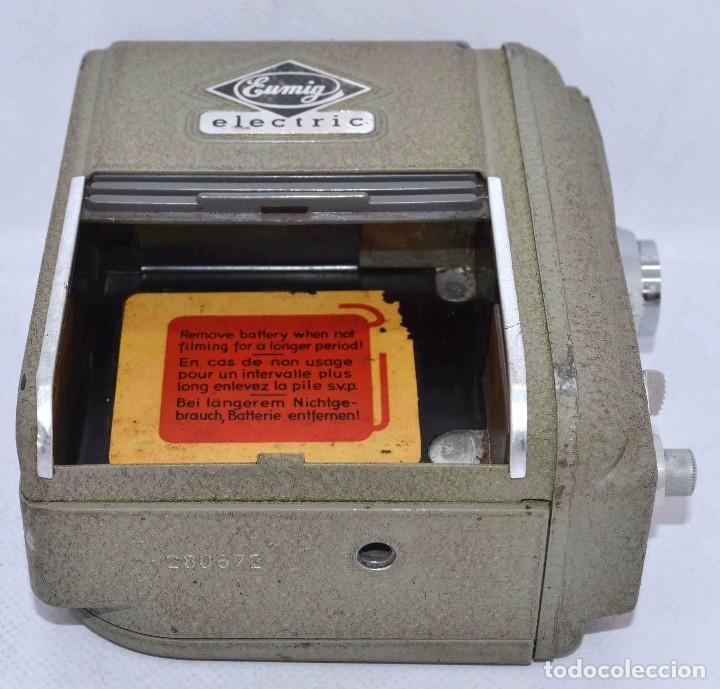 Cámara de fotos: BONITA Y RARA CAMARA DE CINE A PILAS..EUMIG ELECTRIC..AUSTRIA 1955..MUY BUEN ESTADO..FUNCIONA - Foto 21 - 66130266