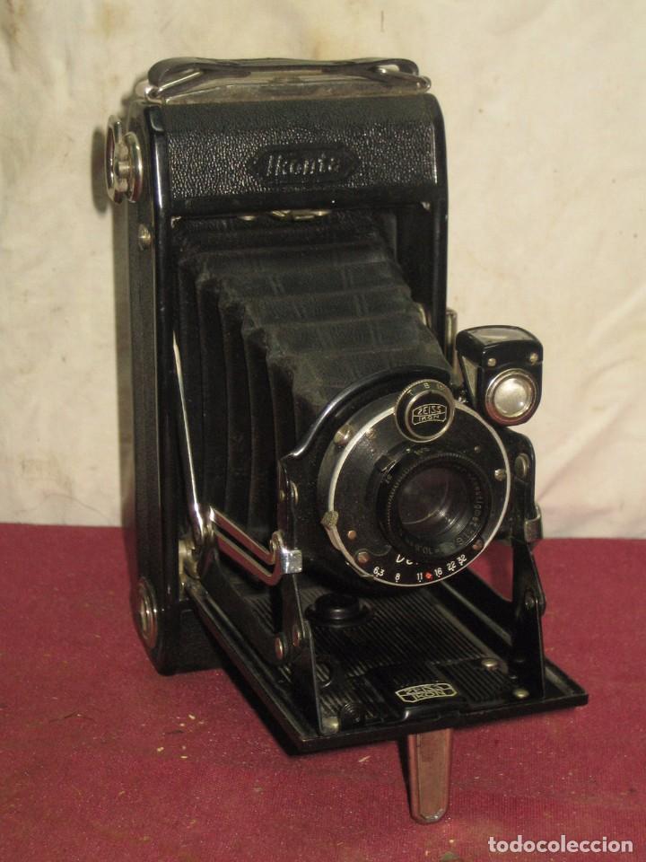 CAMARA DE FOTOS (8) IKONTA CON OBJETIVO ZEIS IKON / DERVAL. (Cámaras Fotográficas - Antiguas (hasta 1950))