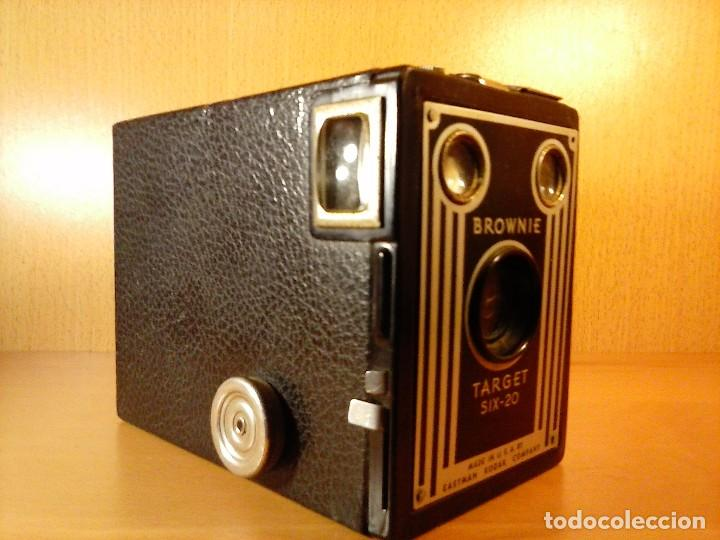 Cámara de fotos: CÁMARA FOTOGRÁFICA KODAK BROWNIE TARGET SIX-20 - Foto 3 - 68431797