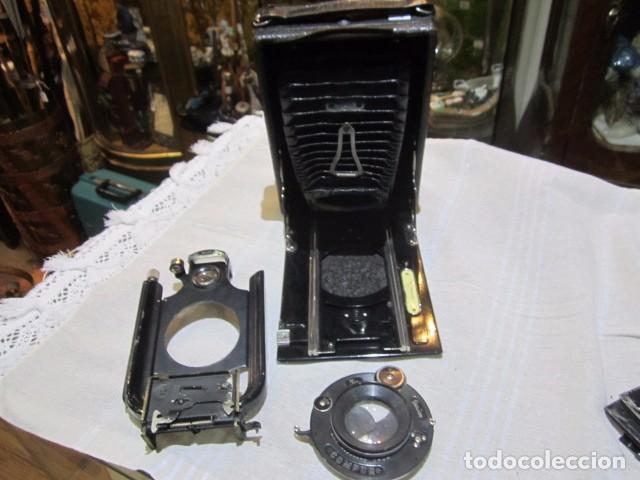 Cámara de fotos: Antigua cámara de fotos de fuelle, con placas, marca ICA. Para restaurar. Placas medida 19 X 11 cm. - Foto 2 - 77408893