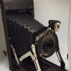 Cámara de fotos: ANTIGUA CAMARA FOTOGRAFICA - KODAK POCKET Nº 1A - SERIES II - CON SU FUNDA ORIGINAL - EN BUEN ESTADO. Lote 78464885