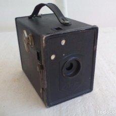 Cámara de fotos: ANTIGUA CÁMARA FOTOGRÁFICA DE CAJÓN AGFA BOX 44, DE LOS AÑOS 30, USA PELICULA ISOCHROM. Lote 82680640