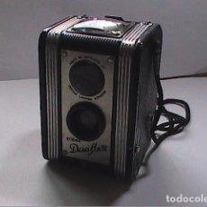 Cámara de fotos: PRIMERA KODAK DUAFLEX. 1947-1960. MADE IN ENGLAND, PARA FILMS DE 620.. Lote 85724772