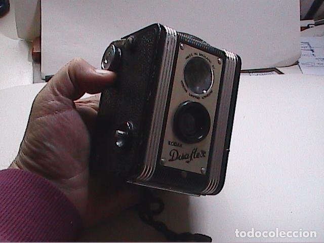Cámara de fotos: PRIMERA KODAK DUAFLEX. 1947-1960. MADE IN ENGLAND, PARA FILMS DE 620. - Foto 6 - 85724772