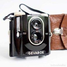 Cámara de fotos: GEVABOX CÁMARA BAQUELITA 1950 CON ESTUCHE - PERFECTA -. Lote 95111947