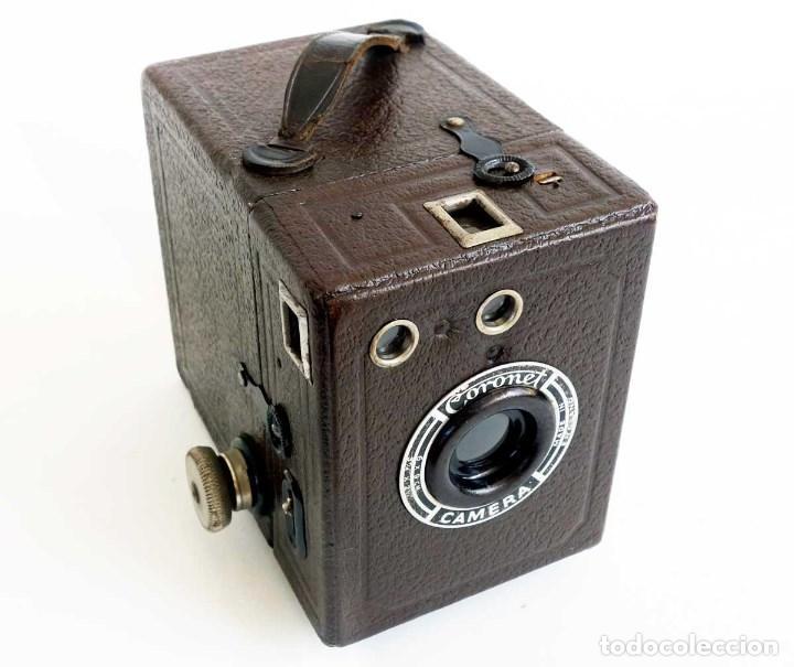 Cámara de fotos: ANTIGUA CÁMARA CORONET BOX 6X9 MARRÓN. ENGLAND AÑOS 30. - Foto 2 - 96899567