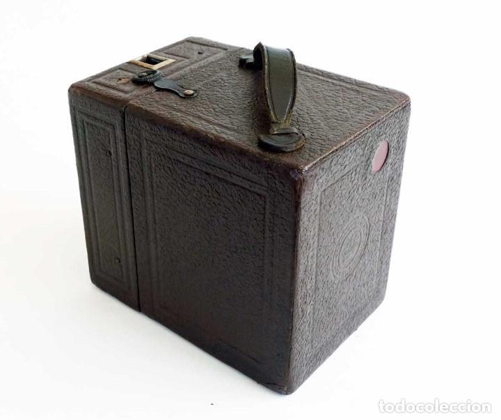 Cámara de fotos: ANTIGUA CÁMARA CORONET BOX 6X9 MARRÓN. ENGLAND AÑOS 30. - Foto 3 - 96899567