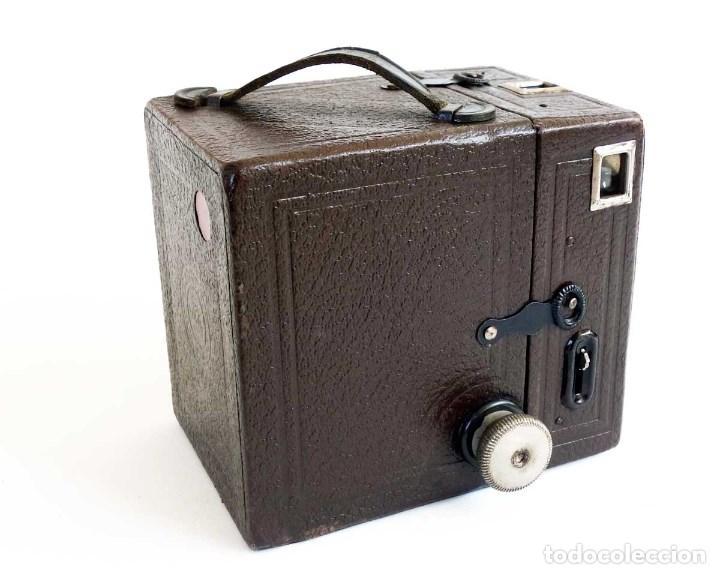 Cámara de fotos: ANTIGUA CÁMARA CORONET BOX 6X9 MARRÓN. ENGLAND AÑOS 30. - Foto 4 - 96899567