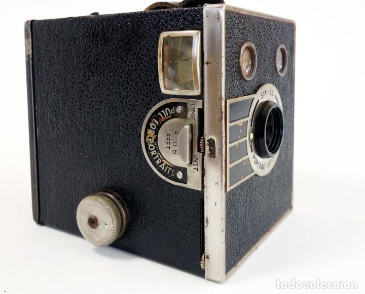 Cámara de fotos: CÁMARA SIX 20 PORTRAIT BROWNIE 1936. ÚNICA EN TC. FUNCIONA - Foto 2 - 97742683