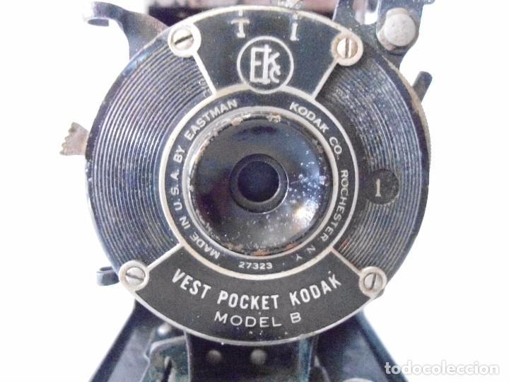 Cámara de fotos: ANTIGUA CAMARA KODAK VEST POCKET MODEL B DE FUELLE - Foto 2 - 162010058