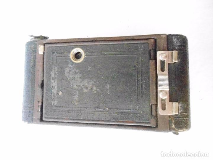 Cámara de fotos: ANTIGUA CAMARA KODAK VEST POCKET MODEL B DE FUELLE - Foto 15 - 162010058